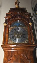Ein Bild von der Meybach-Uhr